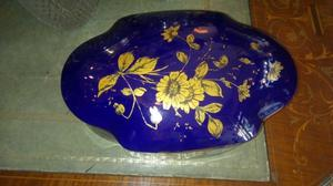 Bombonera de porcelana