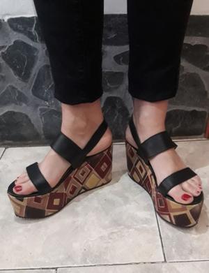 Sandalias negras con plataforma Nº