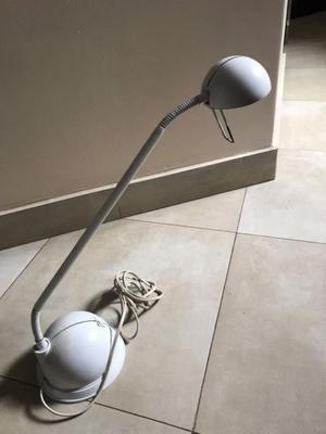 Vendo lámpara para escritorio o velador