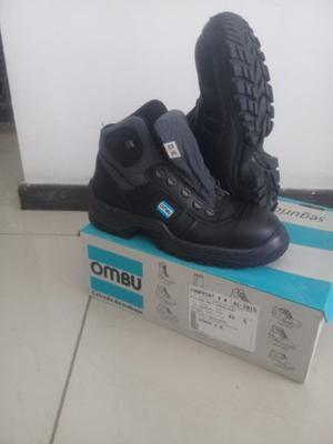 Zapatos de seguridad sin uso marca Ombu TALLE