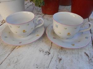 Dos pocillos de café con plato porcelana checa MZ. Muy