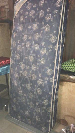 Colchón meyer + cama de pino usada vendo o permuto x algo
