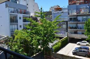 Vendo en Nuñez. 2 Ambientes con Cochera. Con balcón al