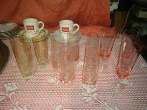 Antiguas copas de cristal talladas y lisa