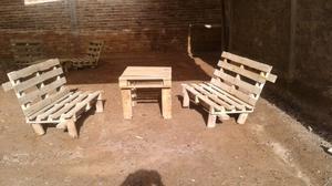Juego de sillones de madera rústica