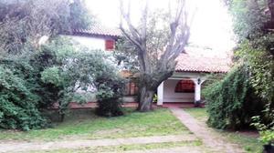 La Reja a mts R 5 Bellisimo Chalet Colonial 2 Plantas s/lote