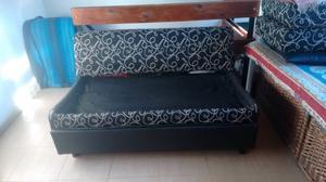 Sofá cama muy bueno
