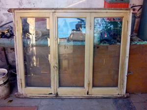 Vendo ventana con vidrios en buen estado