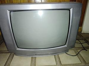 Televisor Crown 20'' plateado estereo audio y video con
