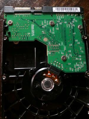 Vendo disco rígido SATA DE 80GB y 3 memorias