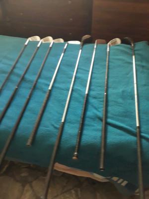 Vendo 10 palos de golf antiguos