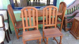 mesa y 4 sillas de algarrobo como nuevo