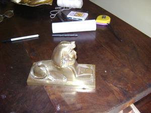 Antigua Figura De La Esfinge De Egipto En Bronce