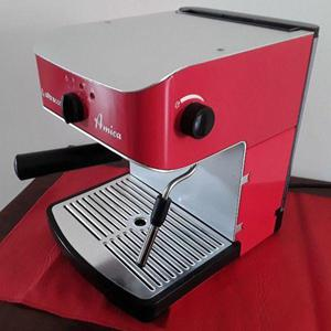 Cafetera Espresso Ultracomb Amica Ce-6100