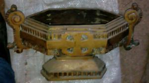 Frutera de bronce antigua pesada