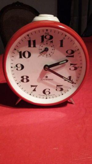 antiguo reloj despertador JUNGHANS a cuerdafuncionando