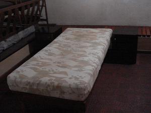 cama 1 plaza con 2 mesas de luz