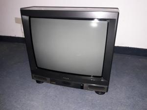 Mesa TV con TV, Lustraaspiradora y Lámpara