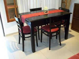 Mesa de 1.20 con cajón central y 4 sillas !! Flete gratis