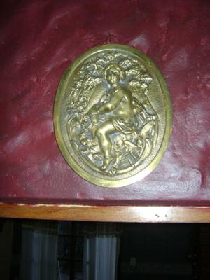 Muy Antiguo Medallon 1 Bronce Tallado Con Angel O Querubin