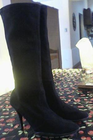 Vendo hermosas botas cuero gamuzado