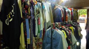 Compramos ropa de hombre y mujer usada  o