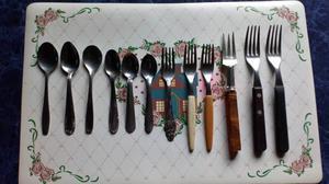 -Cuchillos Tramontina 6 y 6 cucharas usadas