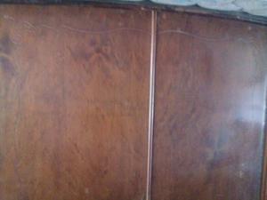 Ropero antiguo de 4 puertas