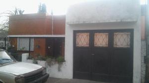 Venta de Casa 4 DORMITORIOS en City Bell, La Plata Ubicada