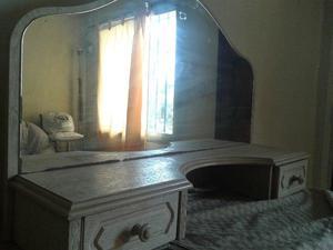 se vende espejo de mesa