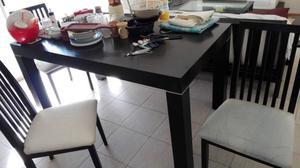 Juego de mesa y 6 sillas laqueado color wengue