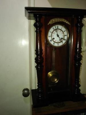 5f2efdf090c9 Reloj de pendulo marca junghans aleman argentina