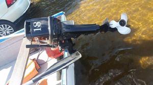 Bote Pescador con Motor Tohatsu 18HP