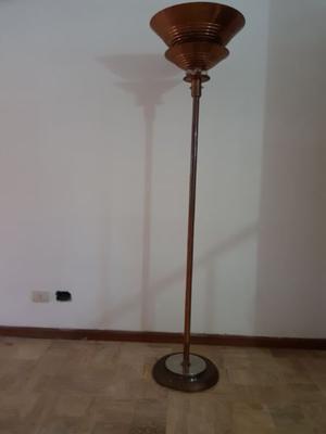 LAMPARA DE PIE RETRO. DE COBRE