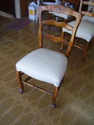 antiguo juego de sillas estilo provenzal