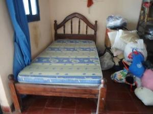 vendo cama de una plaza y media con colchon