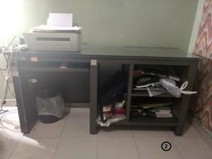 Se vende por renovación muebles de oficina en buen estado!