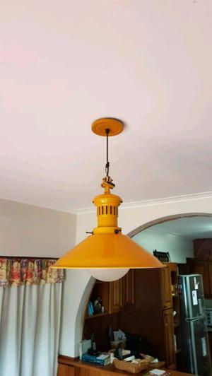 Vendo lampara de techo impecable