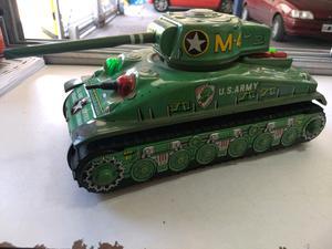 Antiguo tanque Sherman de chapa - japonés Grande