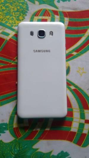 Vendo celular Samsung galaxy j 7 liberado