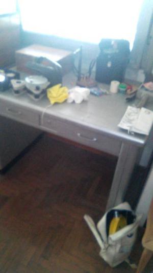 vendo escritorio de chapa