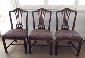 Juego de 6 sillas de madera lustrada con asiento tapizado en