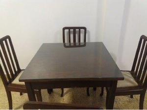 Vendo Mesa y 4 sillas.