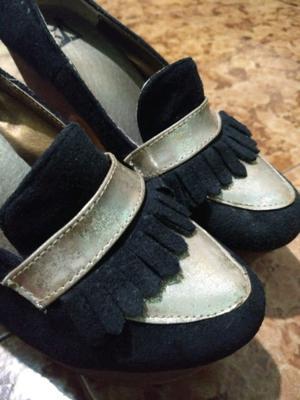 Zapatos con taco cuadrado de madera