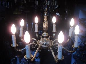 Antigua araña ocho luces, bronce macizo. Antigua Saudade