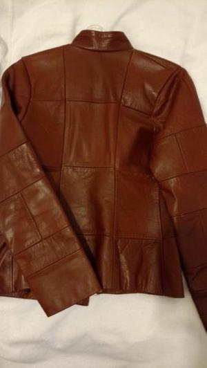 Campera de cuero marrón