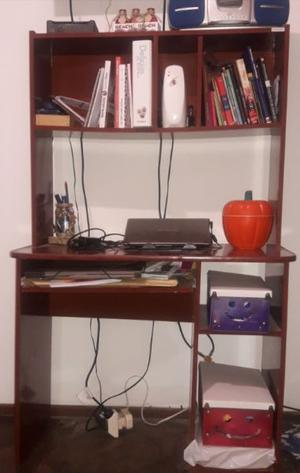 Escritorio para pc con estantes