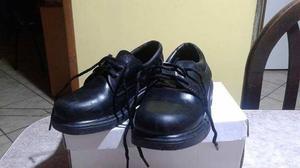vendo zapatos de niño tipo colegial