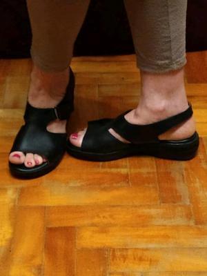 Sandalias nuevas de cuero talle 40