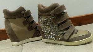 Zapatillas mujer con taco. Cuero, gamuza y tachas. Numero 37